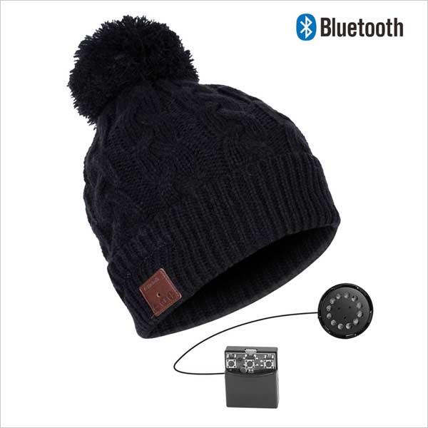 Bluetooth čepice s bambulí, černá