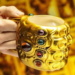 Šálek Infinity Gauntlet Shaped